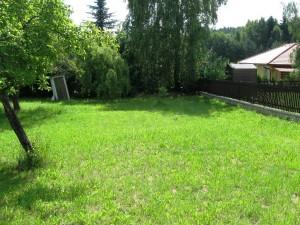 Rovný pozemek 921m2 Běštín
