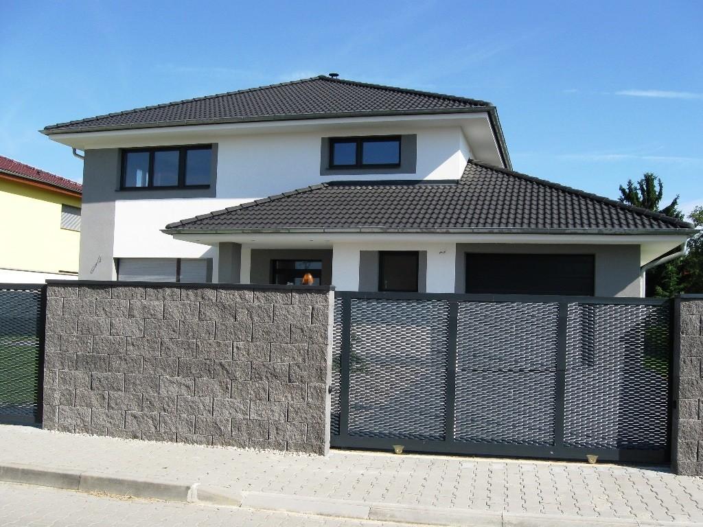 Prodej novostavby prostorného rodinného domu s garáží v klidné části Rudné u Prahy