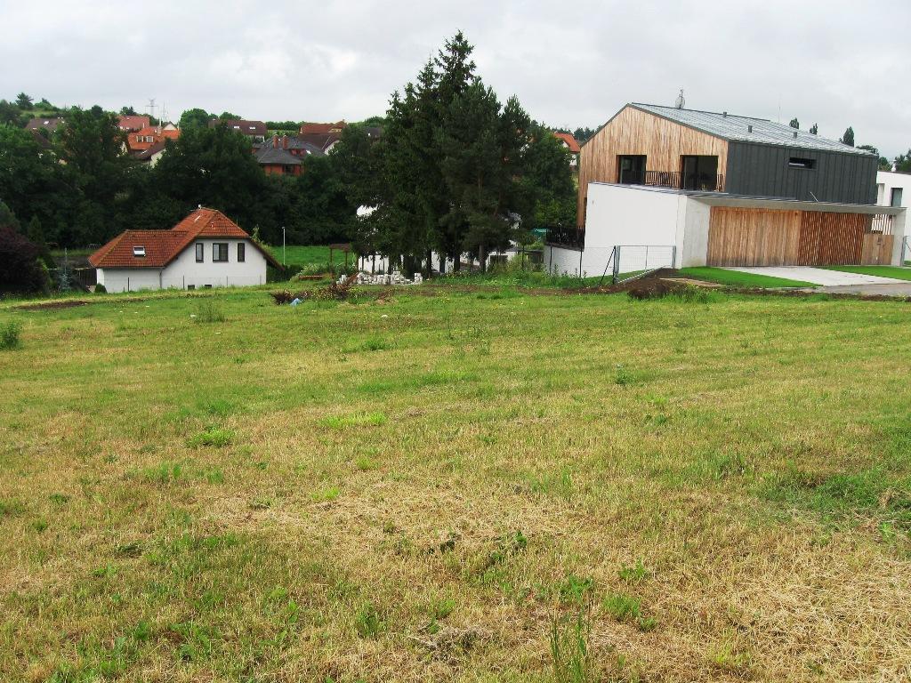 Pozemek Chýnice – pro stavbu RD v klidné části obce