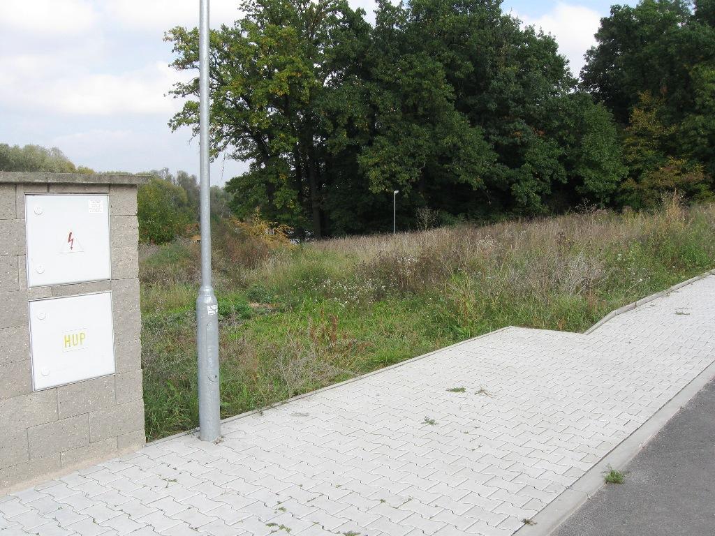 Pozemek 877m2 Středokluky ideální pro stavbu RD v klidné části obce