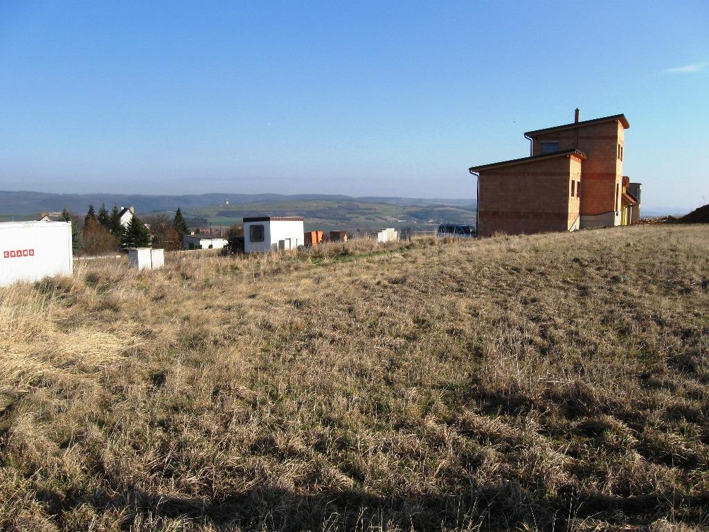 Pozemek 1001m2 Liteň pro stavbu rodinného domu
