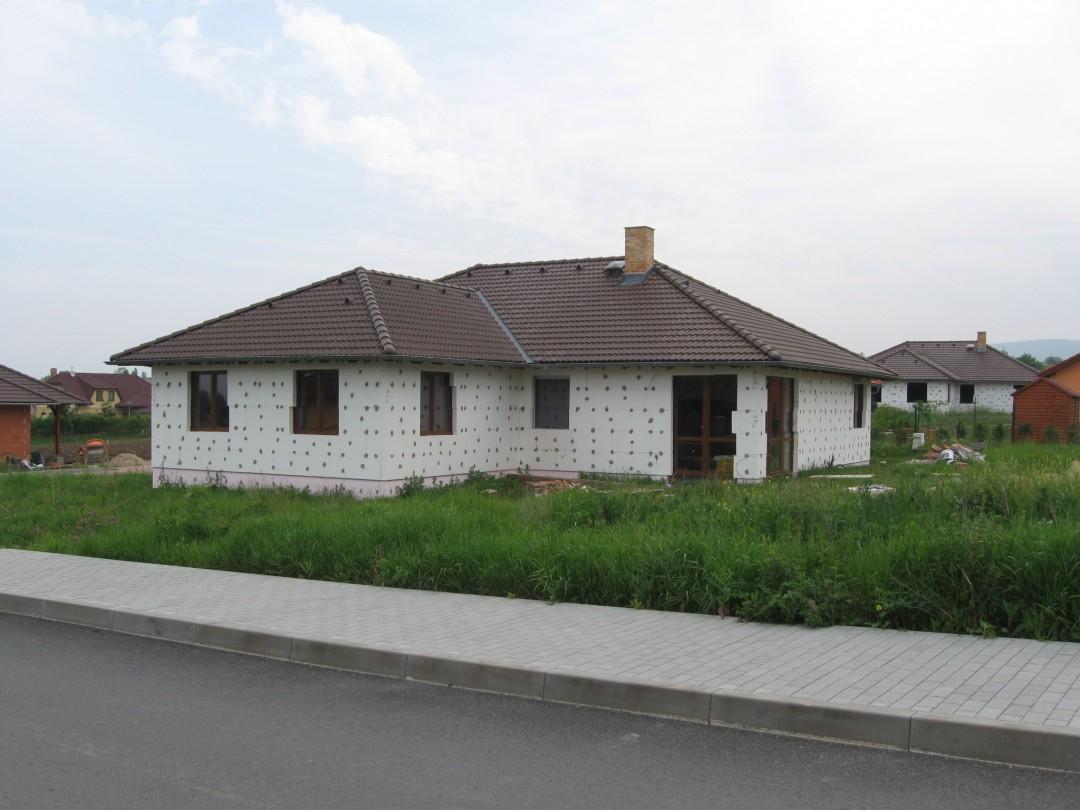 Rodinný dům 5+1+G Hostomice, před dokončením na klíč nebo vlastními silami