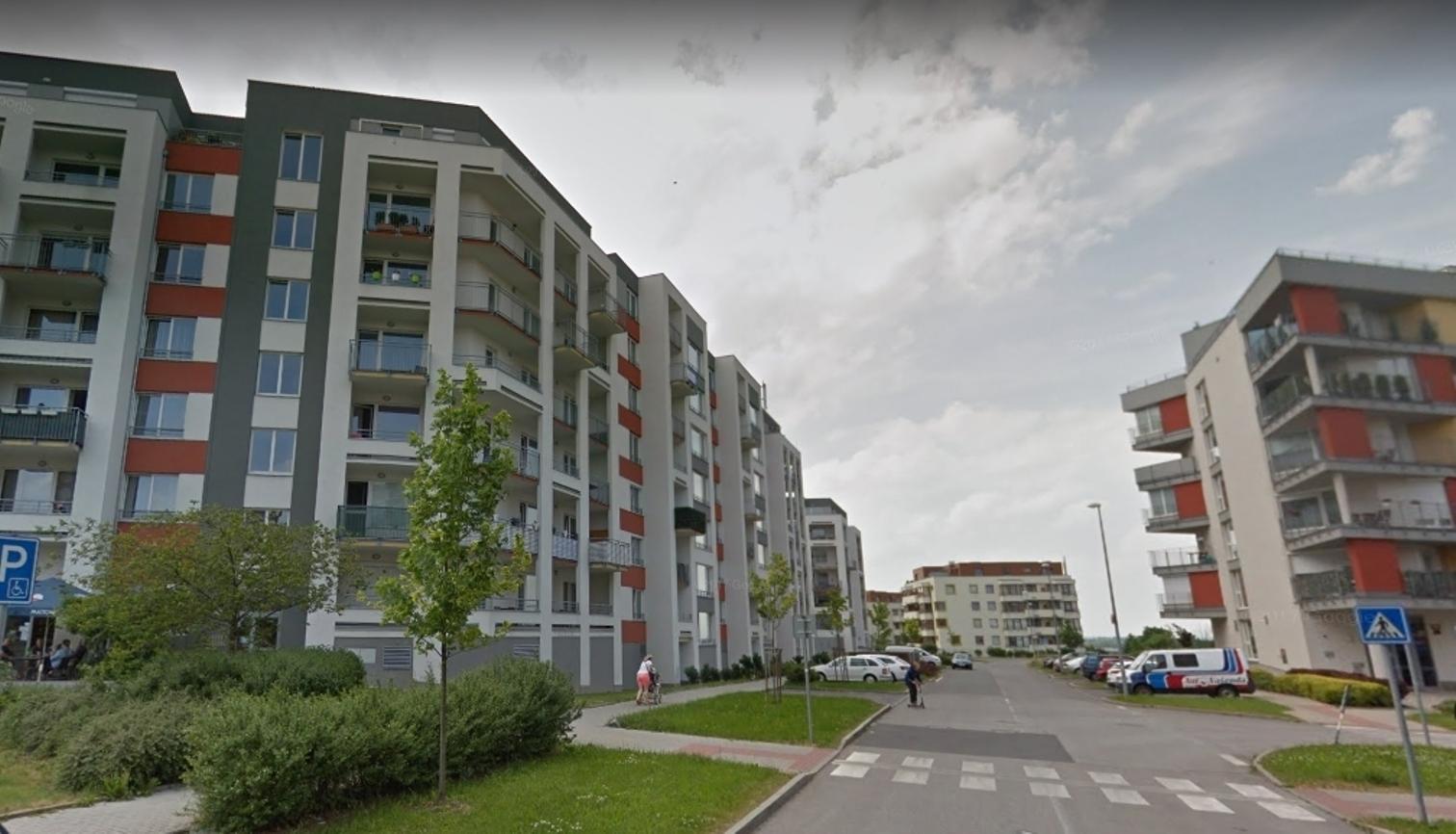 Byt 2+kk+L Praha Zličín, moderní byt s parkovacím stáním a komorou