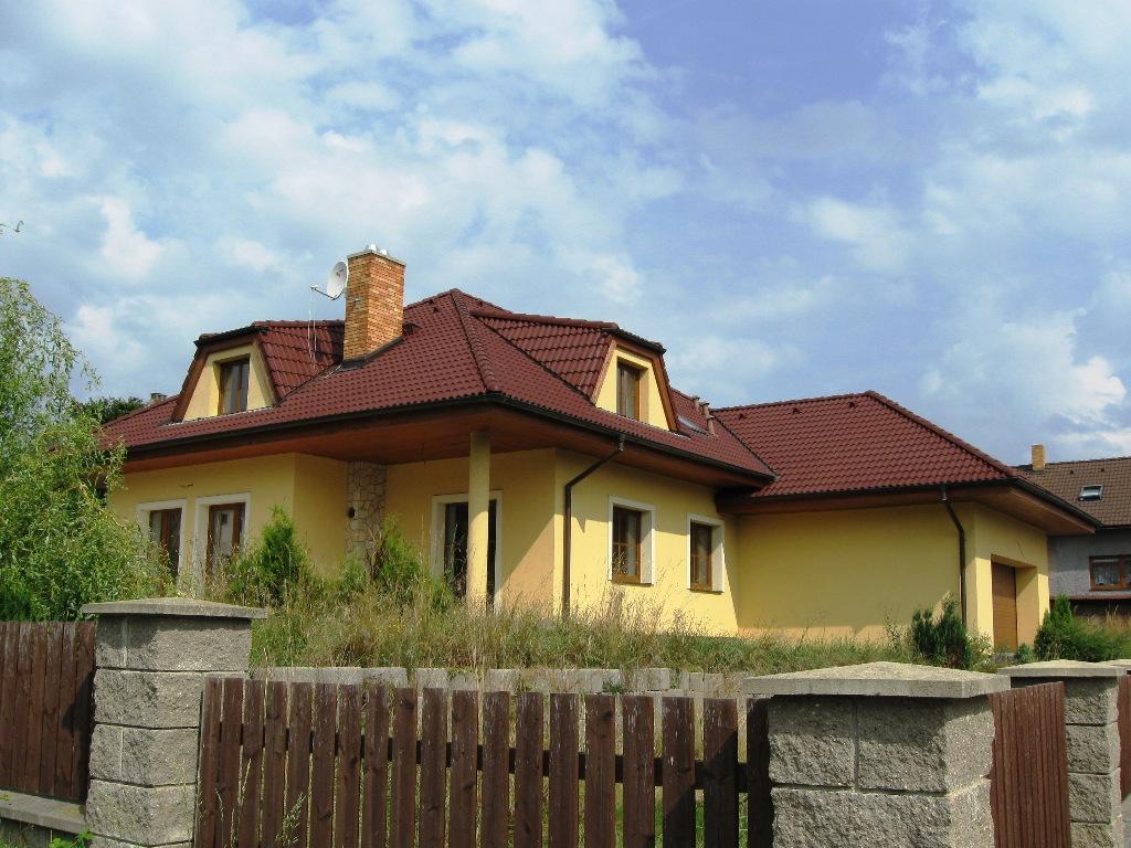 Rodinný dům 7+1+G Osek, v klidné části obce