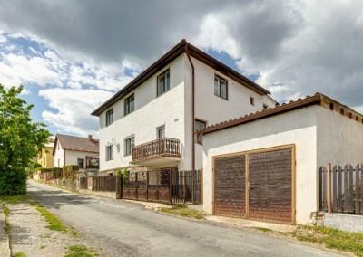 Prodej dvougeneračního rodinného domu Hudlice