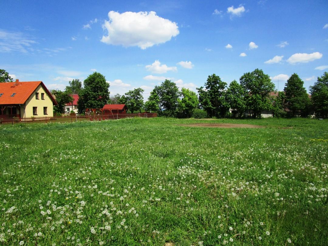 Pozemek 3697 m2 Lhotka u Svinaří okr. Beroun pro stavbu RD