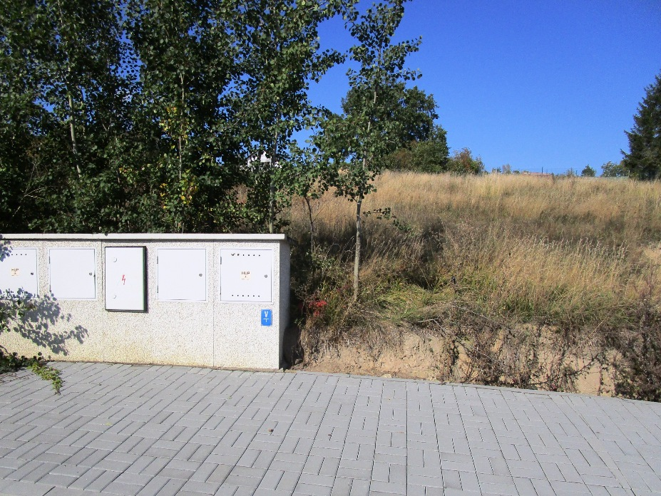 Prodej pozemku pro stavbu rodinného domu v klidné obci Ledce u Smečna