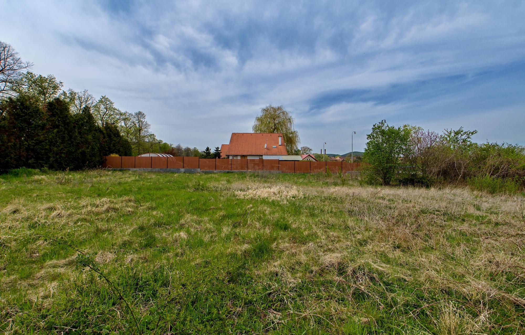 Pozemek 1198 m2 Liteň pro stavbu rodinného domu