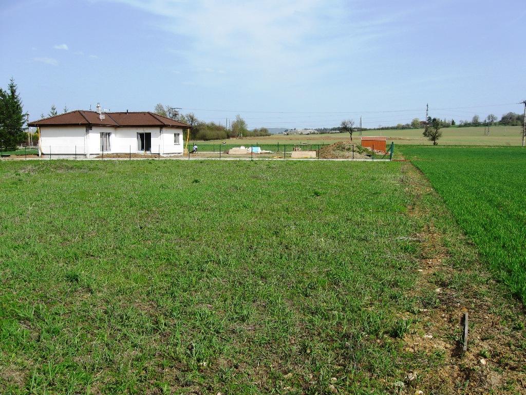 Pozemek 1000m2 Záluží okr. Beroun ideální pro okamžitou stavbu RD